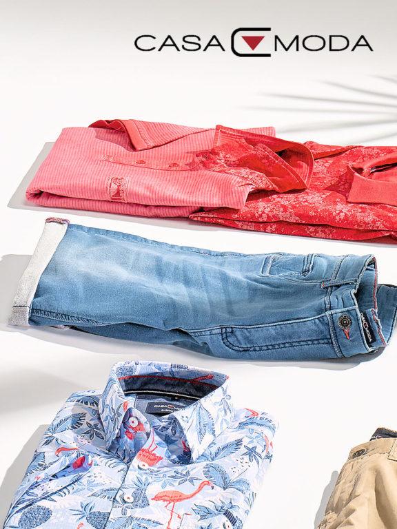 Casa Moda korte broek met stretch blauw 593198500 opgevouwen